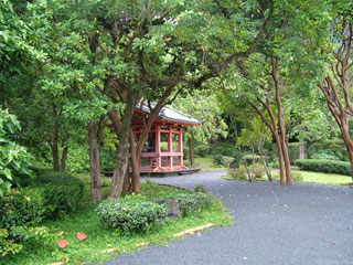 Meditation House at Byodo-in Temple.
